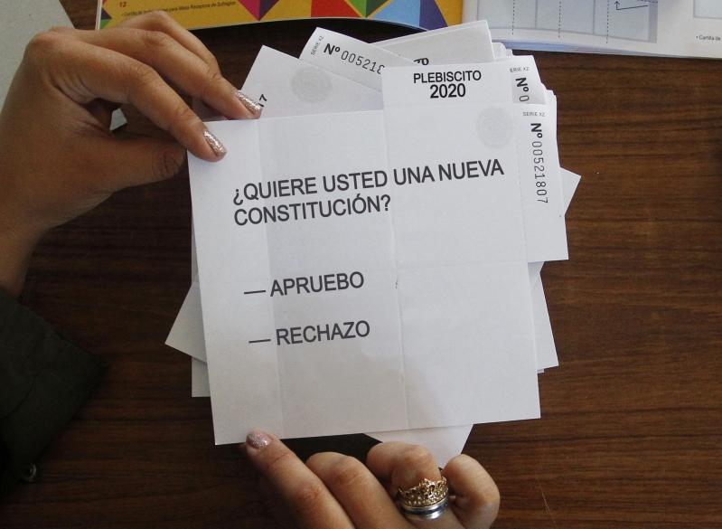 Más de 90 abogados y abogadas de Antofagasta llamaron a la comunidad a votar por el Apruebo el próximo 25 de octubre.