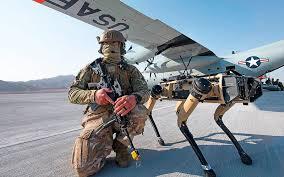 Ejército estadounidense ya utiliza perros robots adelantando el futuro de la guerra.